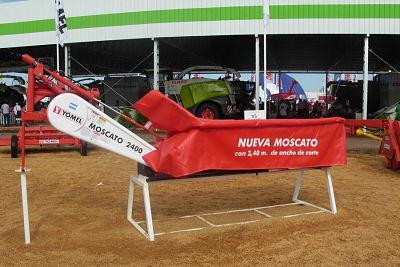 Segadora Yomel Moscato 2400.