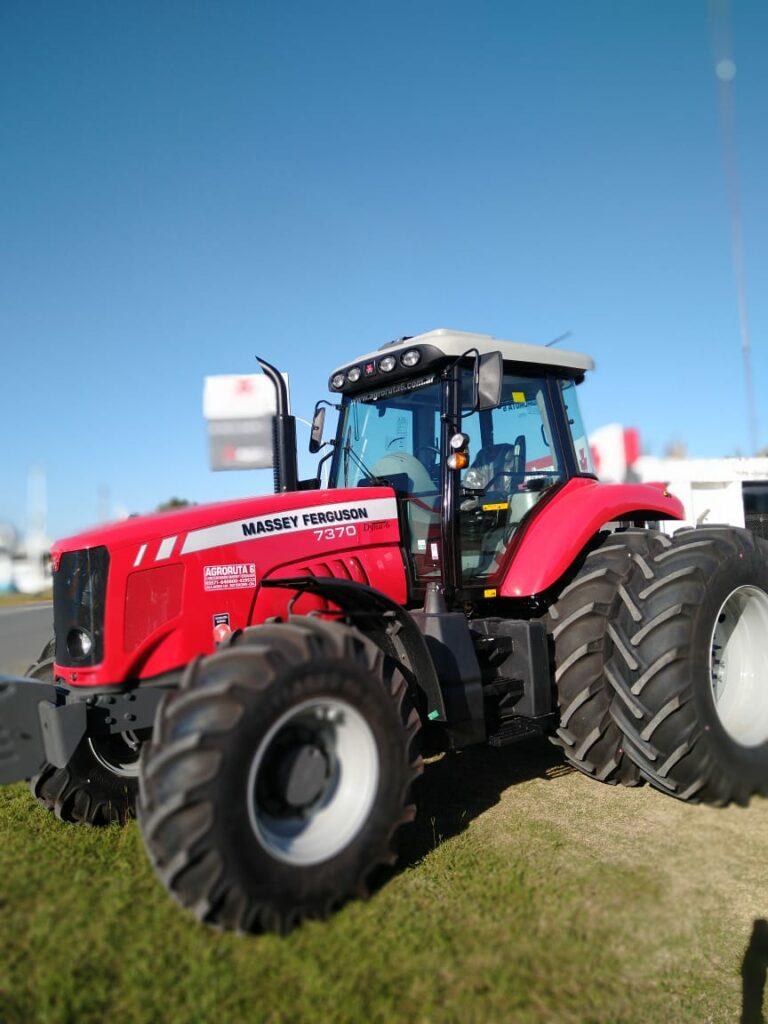 Tractor Massey Ferguson MF7370