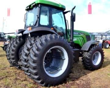 Tractor Agrale BX 7215 doble tracción